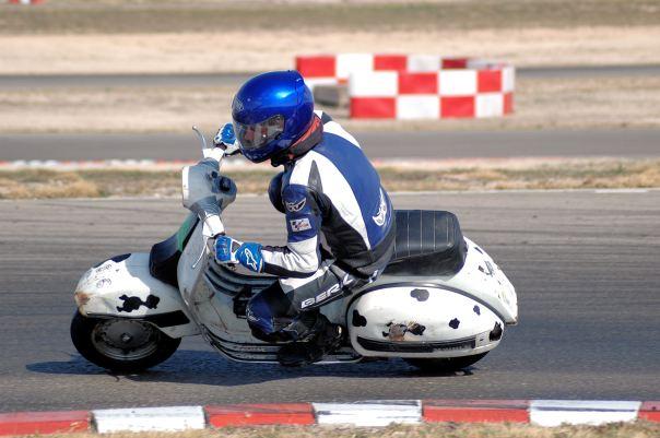 Marcos, VESPA las Carreras, circuito de Zuera Domingo 11 de marzo 2012