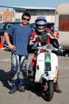 Ivo y Guille. team VESPA las carreras en Zuera