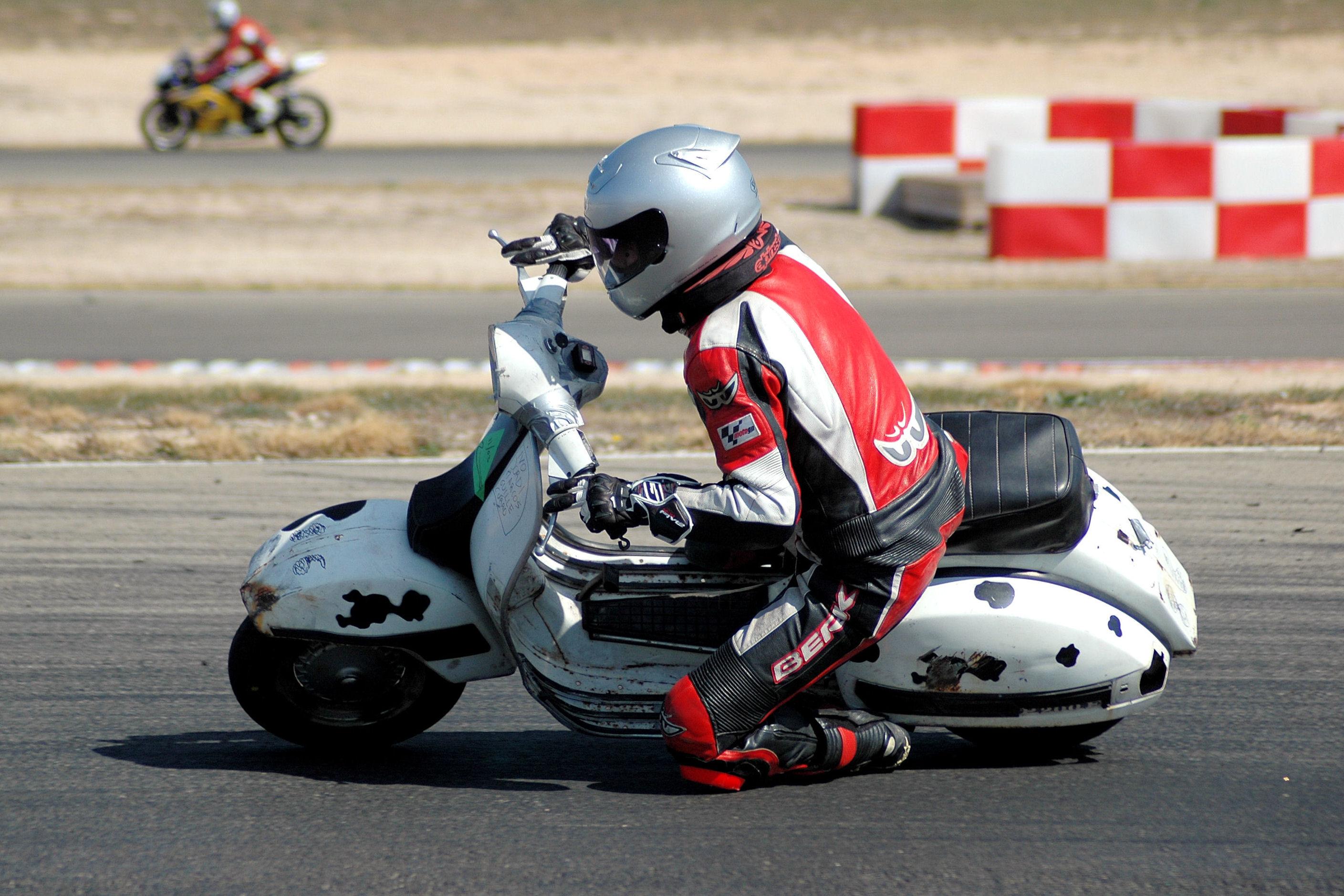 Circuito Zuera : Ivo vespa las carreras circuito de zuera domingo 11 de marzo 2012